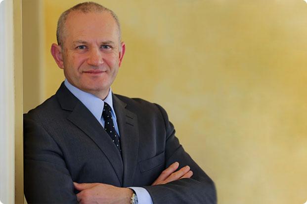 Dr. Roman Shlafer